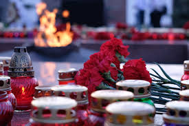 In Anapa lit candles in memory of the heroes